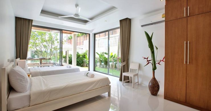 Modern Luxury Private Pool Villas in Peaceful Maenam -9